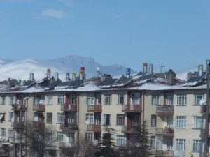 家の屋根についた太陽光発電